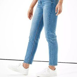 🌱HOST PICK🌱 AE Mom Jean in 'Blue Path' - Size 2